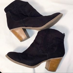Old Navy▪️ Black Suede ▪️Ankle Booties▪️ Size 8